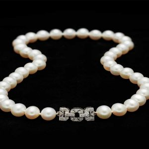 Diamond Buckle Necklace (9mm)