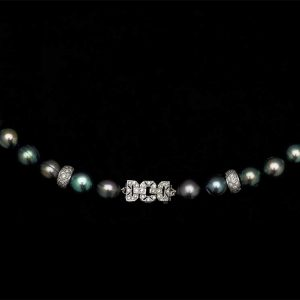 Black Buckle Pearl Necklace with 2 Rondels