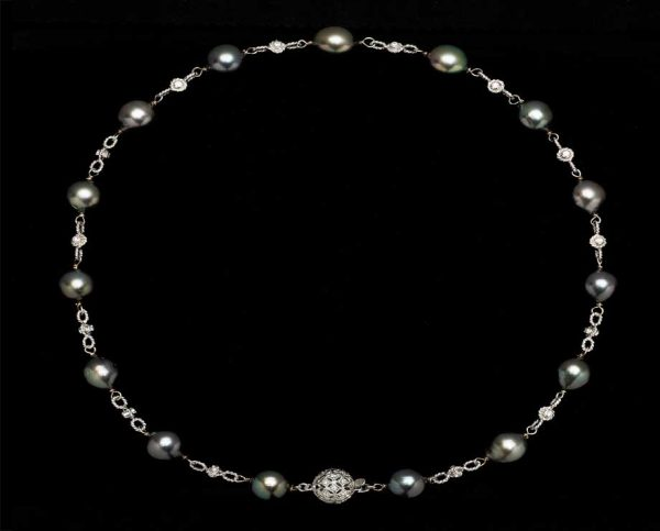 Black Pearl Studded Necklace