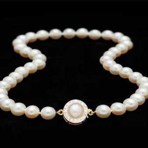 Necklace with Double Sided Diamond Pearl Clasp