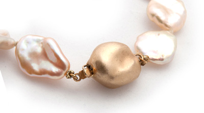 gold baroque pearl necklace clasp