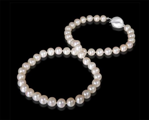 Baroque Clasp with Pearl Necklace