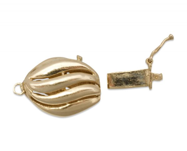 Oval gold pearl bracelet clasp