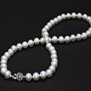 Silver Flower Clasp with Pearl Necklace