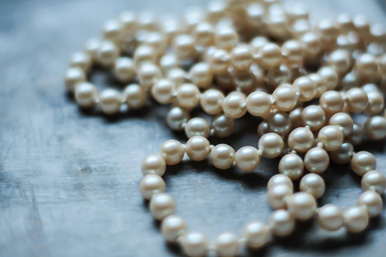real pearls vs fake pearls