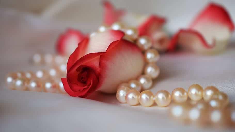 wedding pearl ornaments
