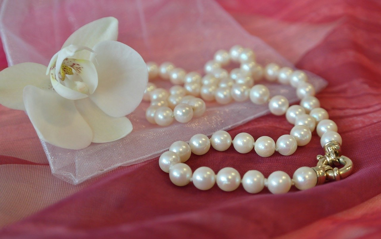 restringing pearl necklace